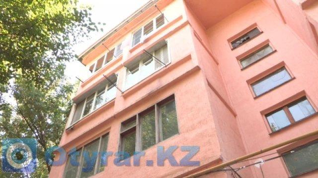 Жителям Шымкента не отремонтировали дом, а они еще оказались ответчиками в суде