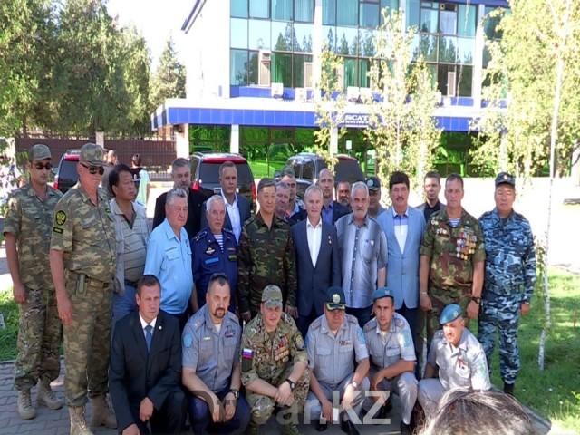 В Шымкент на форум ветеранов прибыли офицеры и генералы войск спецназа