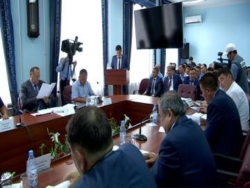 """Госслужащие держали ответ на дисциплинарном совете партии """"Нур Отан"""""""