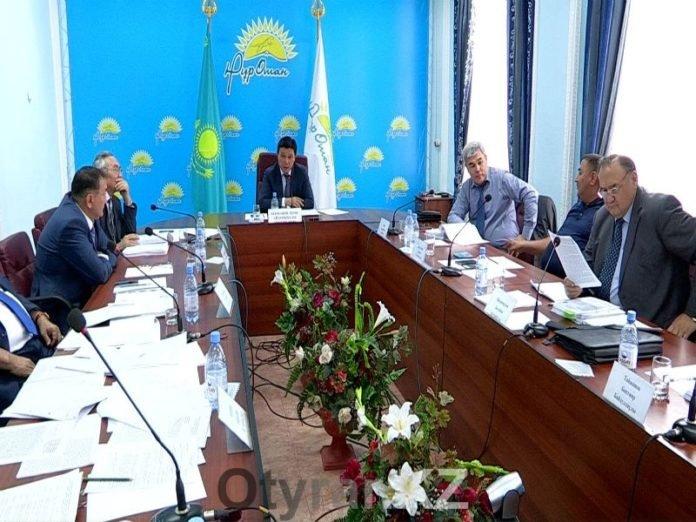 Госслужащие держали ответ на дисциплинарном совете партии