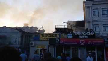 Очевидцы сняли пожар в двух кафе Туркестана