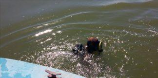 Спасатели работают на Сырдарье