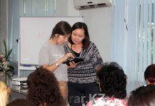 Тренинг Kcell по мобильным приложениям для девушек