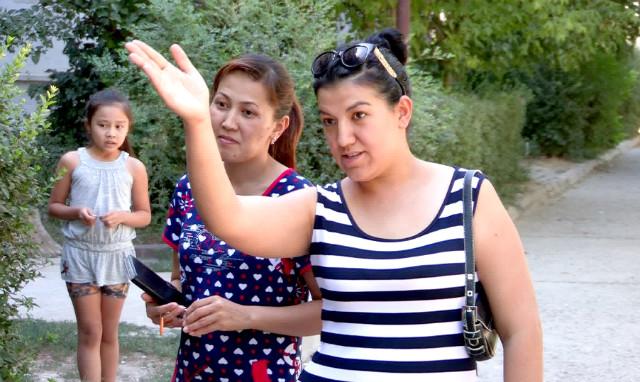 Жители улицы Есиль, просят властей решить проблему благоустройства двора