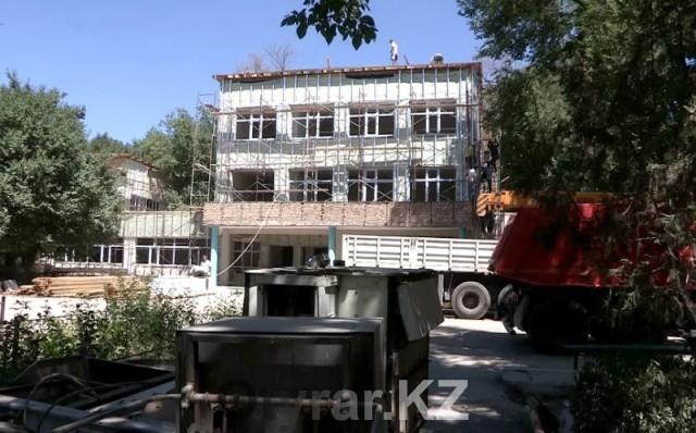 Капитальный ремонт школы № 25 может затянуться до конца сентября