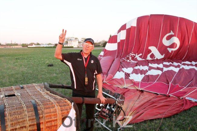 Шымкентский летчик занял третье место на открытом чемпионате по воздухоплаванию