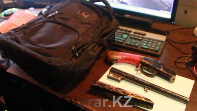 В Шымкенте задержали юношу с обрезом в рюкзаке