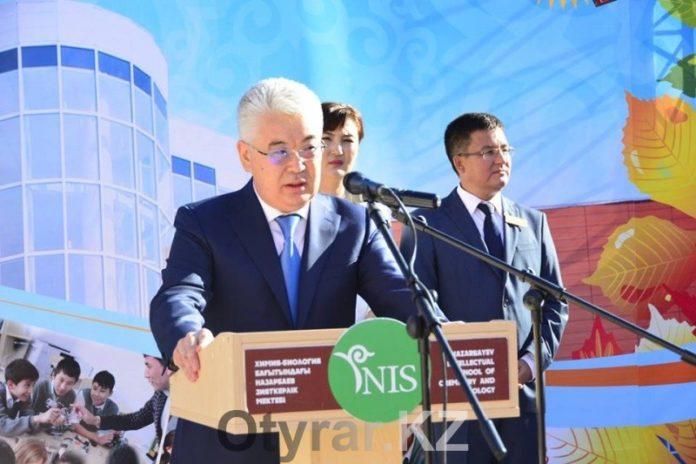 Аким Южно-Казахстанской области 1 сентября посетил
