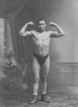 Неизвестное ранее фото Хаджимукана нашли в госархиве Санкт-Петербурга