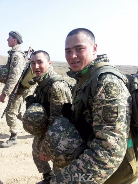Абай Ережепов в армии. (фото из личного архива)
