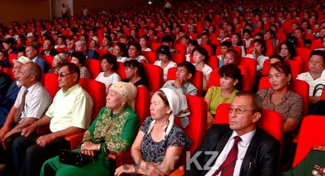 Праздник посвященный 550-летию казахского ханства.