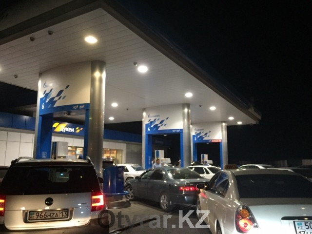 На АЗС Шымкента уже подняли цены на бензин