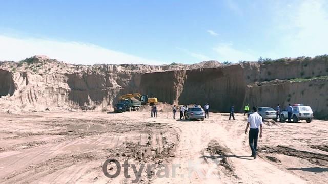 В Шымкенте была пресечена незаконная добыча песка