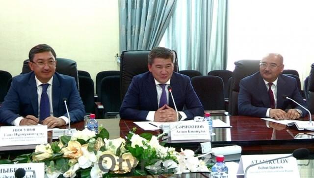 Министр образования РК встретился с акимом ЮКО