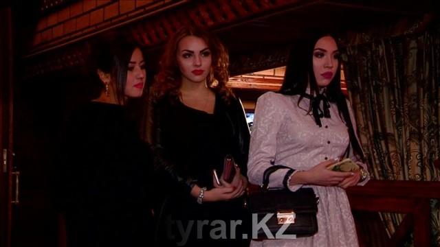 """""""Атласная"""" вечеринка произвела фурор в Шымкенте"""