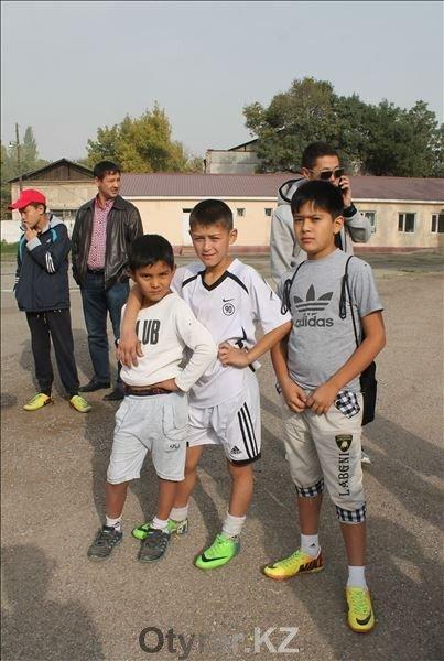 Шымкентские имамы, пасторы и священники сошлись на футбольном поле