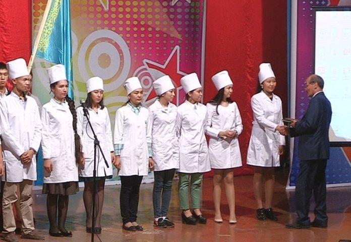Ряды студентов пополнили выпускники Назарбаев Интеллектуальных Школ г. Шымкента и обладатели знака