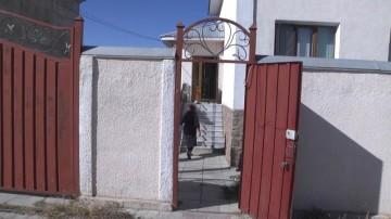 Объявлен в розыск преступник, ранивший ножом троих женщин в Шымкенте