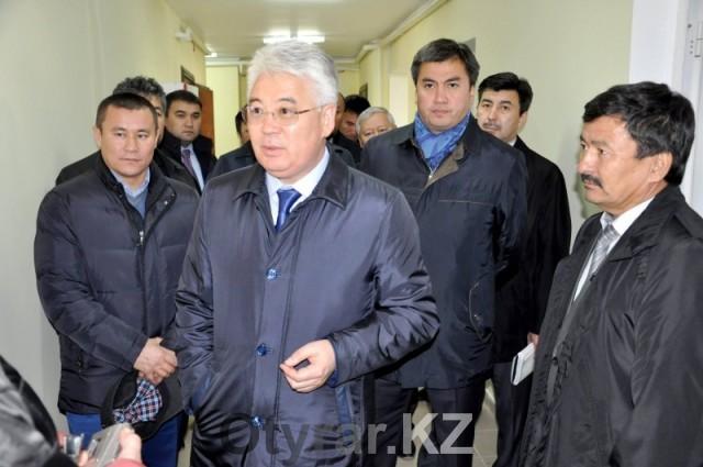 Глава области Бейбут Атамкулов осмотрел строящиеся объекты административно-делового центра города Шымкент