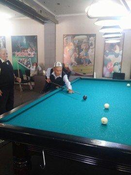 Состязания по бильярду провели специально в день пожилых