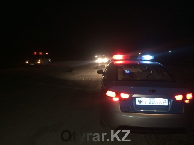 В Шымкенте под колесами грузовика погибли двое мужчин