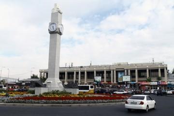 ЖД вокзал. Часы. Железнодорожный вокзал Шымкент