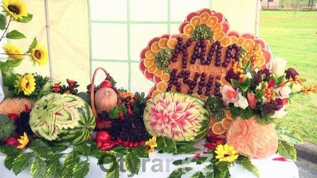В Шымкенте отпраздновали День города. Композиции из овощей. Золотая осень