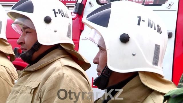 Спасатели ЮКО празднуют 20-летие своей службы. Пожарные