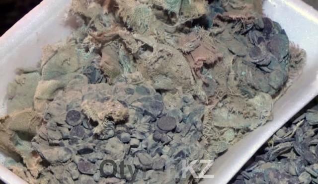 25-килограммовый клад медных монет найден в Южном Казахстане
