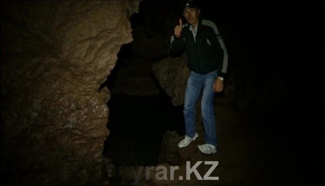 Внутри пещеры - вода