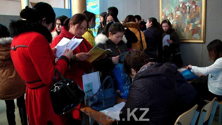 Ярмарка вакансий помогает безработным трудоустроиться