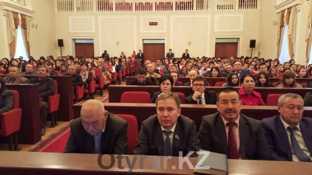 Заместители акима Кайрат Нуртай и Гульжан Курманбекова встретились с представителями социальной сферы