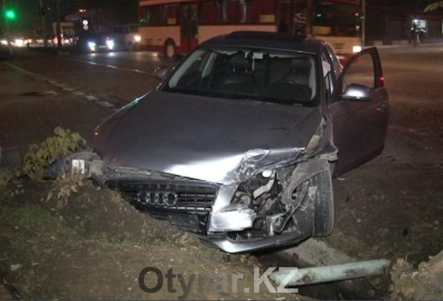 В Шымкенте в результате ДТП пострадали три человека
