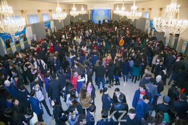 2015 вакансий было предложено на ярмарке работодателями Шымкента