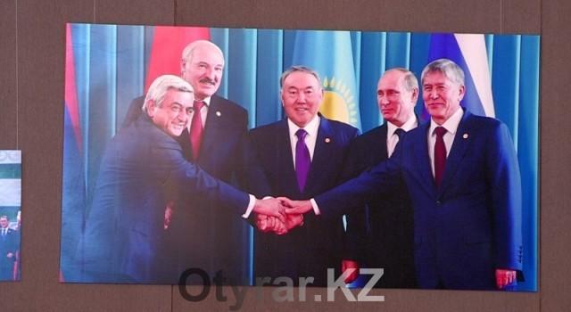 Фотовыставка в честь празднования дня первого Президента прошла в Шымкенте
