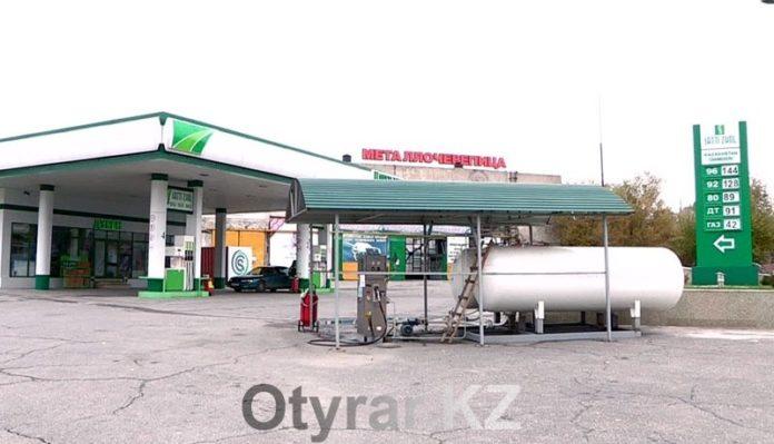 На АЗС Шымкента уже несколько дней перебои с заправкой газом