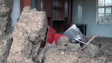 В Сайрамском районе ЮКО из-за дождей рухнул дом