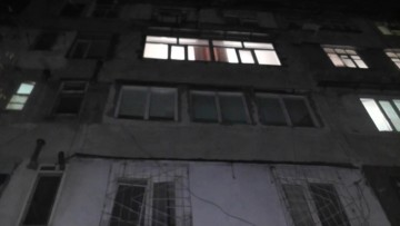 В Шымкенте подросток упал из окна 4 этажа