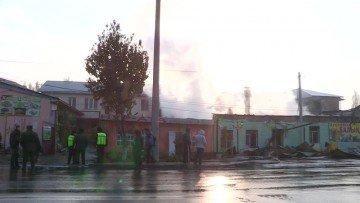 В Шымкенте одновременно сгорело несколько кафе