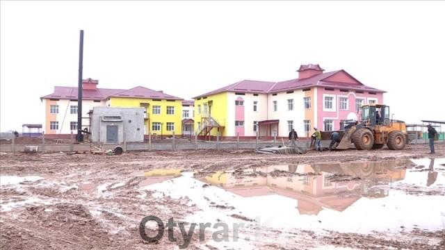 В Шымкенте завершается строительство четырех школ и двух детсадов