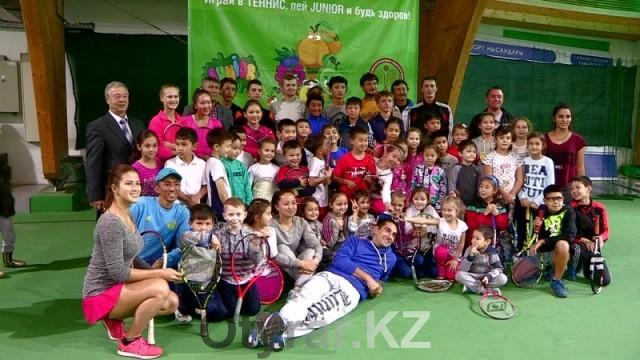 Теннисист Андрей Голубев провел мастер-класс для шымкентских спортсменов