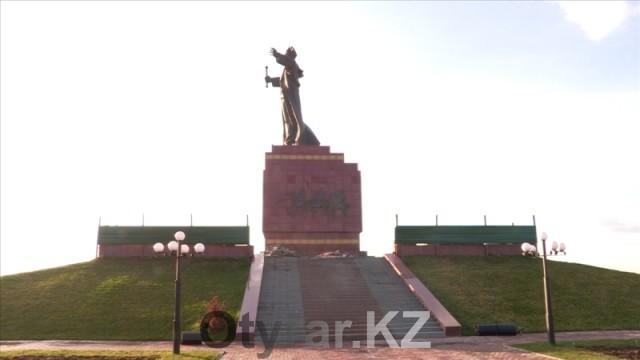 В Шымкенте началась реконструкция памятника Байдибек би