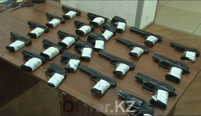 Жители ЮКО получили 96 млн тенге за добровольную сдачу оружия