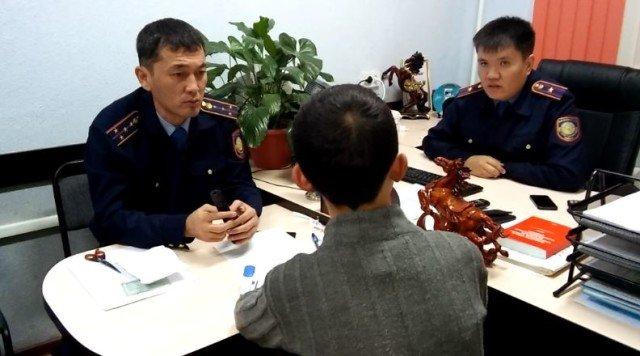 Школьник из Шымкента задержан с электрошокером