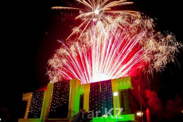 Салют в честь Дня Независимости