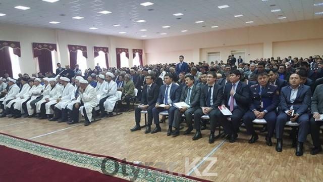 Аким города Габидулла Абдрахимов продолжил свои рабочие поездки по Шымкенту