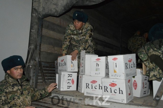 Контрабандные медикаменты и БАДы конфискованы в поезде Шымкент - Сарыагаш