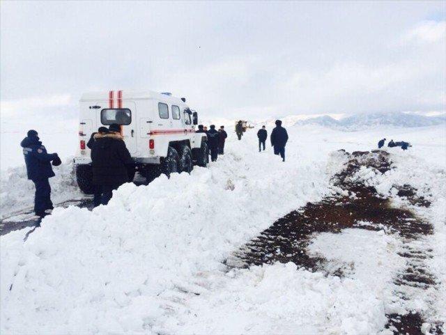 В Байдибекском районе ЮКО эвакуируют детей и беременных женщин