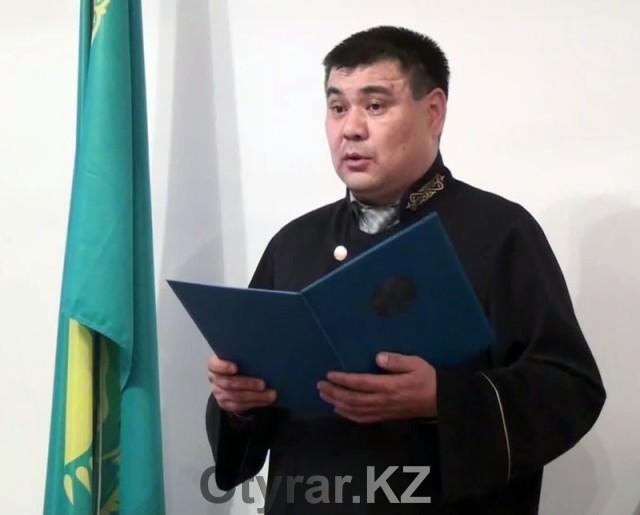 Суд не удовлетворил иск экс-полицейского ДВД ЮКО Сакена Курамысова о восстановлении на работе