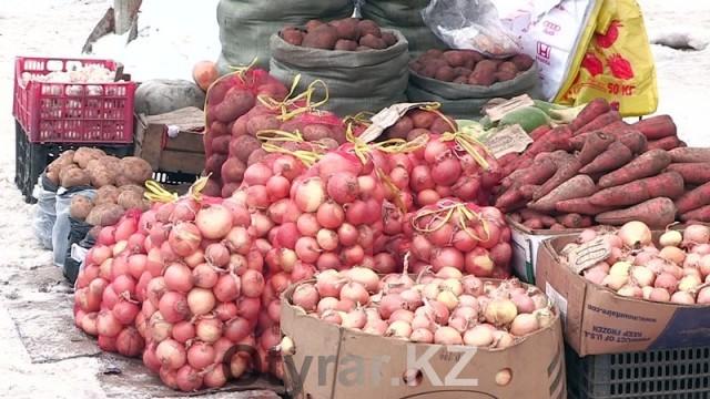 Овощи. Лук. Как изменились цены на рынке Шымкента после введения плавающего курса тенге